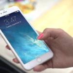 Schlaf überwachen: Die besten Apps & Armbänder